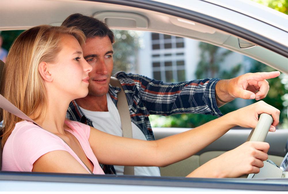 Agrega tu Carro al Seguro de tus Padres